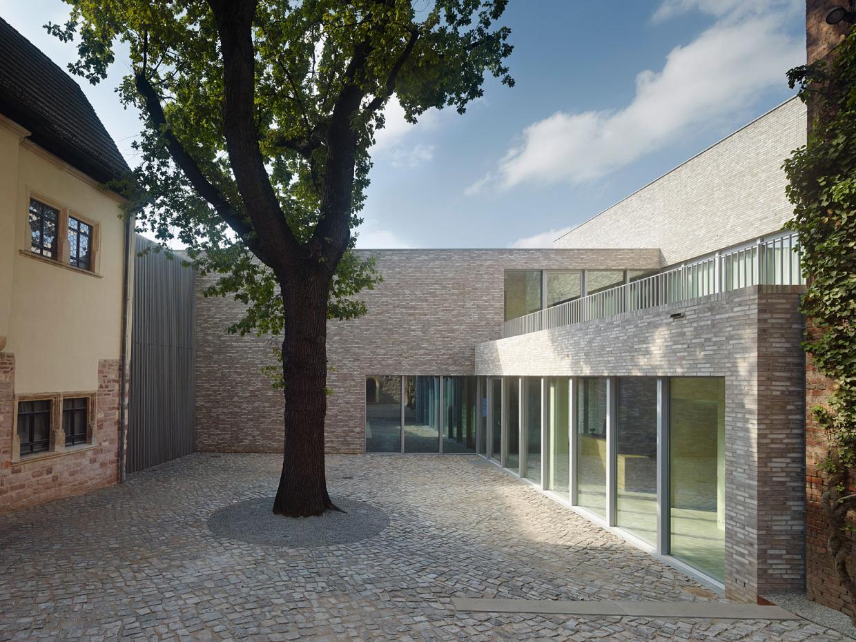 museum luthers sterbehaus von m. Black Bedroom Furniture Sets. Home Design Ideas